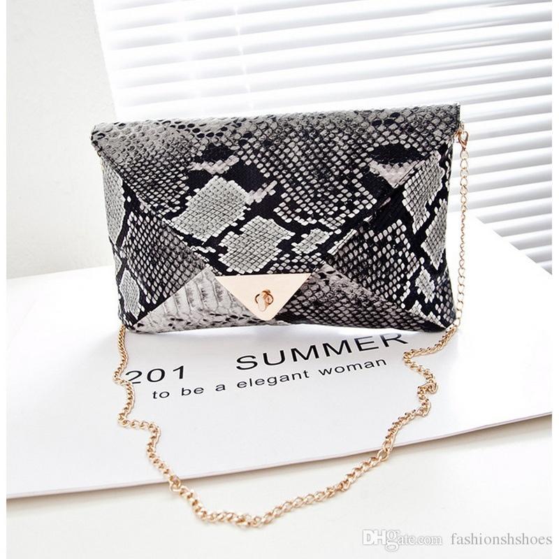 cfee73679a39 Мода кожа PU крест тела сумки на ремне дамы ретро змеиной кожи День клатчи  металлические цепи конверт сумка женщины кошелек сумка #235873