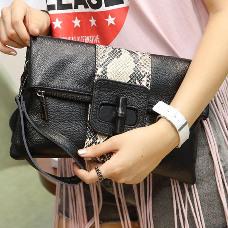 NIGEDU Hakiki Deri Kadın Manşonlar Vintage Serpantin Bayanlar Debriyaj Çanta Kadın Haberci Çantası 2018 marka lüks tasarım çanta