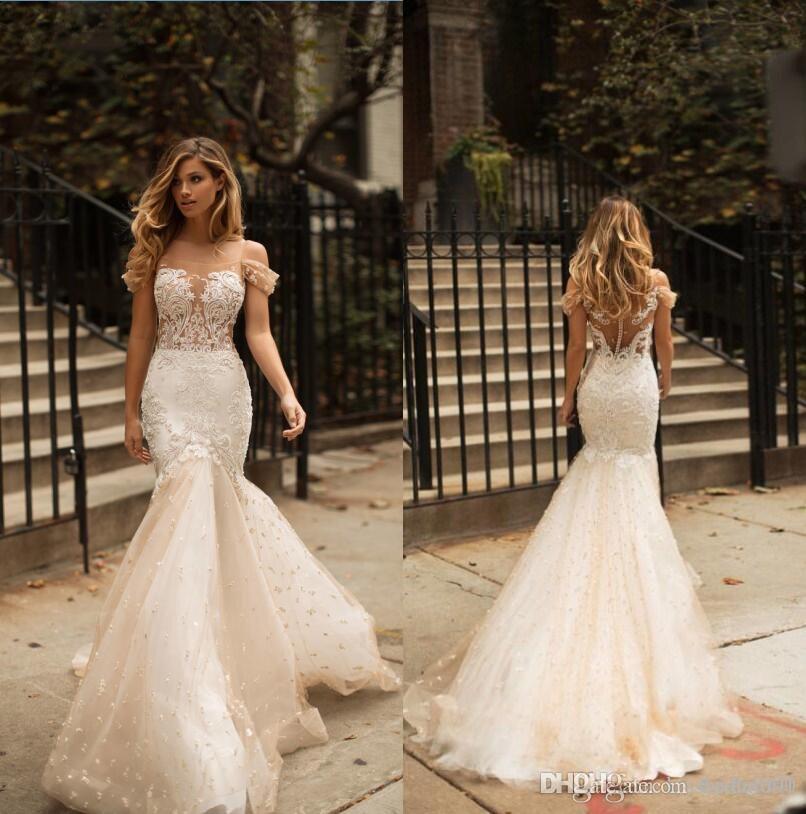 89f3fe0e5 Vestidos De Noivas Modernos 2018 Berta Lace Vestidos De Noiva Lindo Sereia  Champagne Vestidos De Noiva Dubai Árabe Fora Do Ombro Beading Vestido De  Noiva ...