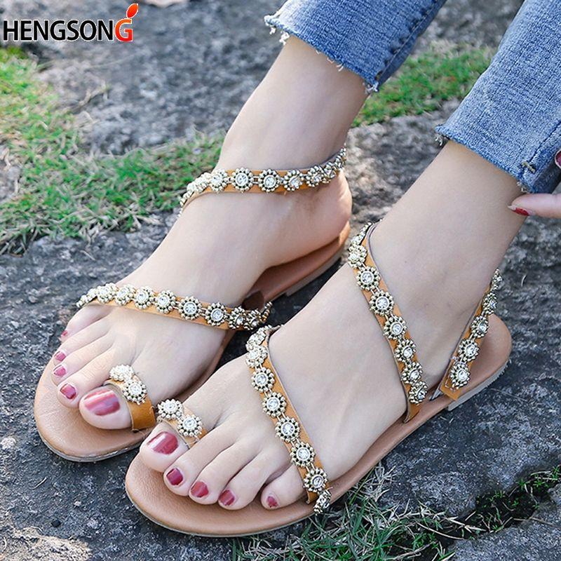 77d2f332 Compre 2019 Sandalias De Verano Zapatos De Mujer Hebilla De Diamante  Sandalias Planas De Moda Fiesta Femenina Playa Más El Tamaño 44 A $47.38  Del Aiyin ...