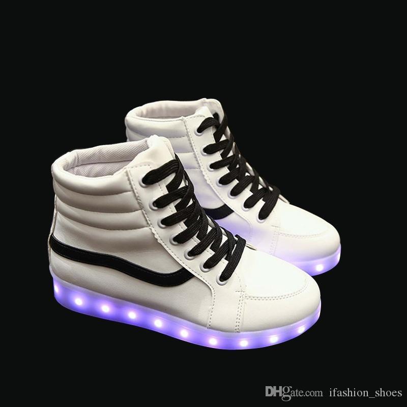 36f1b249a Compre Sapatos Brilhantes Homens Casais Unisex Sapatos Coloridos Usb  Carregamento Luminoso Masculino Transporte Da Gota LED Luz Sapatos Para  Adultos 35 44 ...