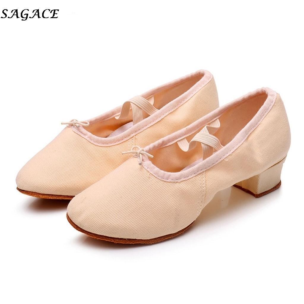 ea88df724 Compre Sapatos Sagace Festa De Salão De Baile Das Mulheres De Dança Moderna  Cetim / Pu Valsa Tango Dança Saltos Fechados Toe Salsa Fechada 2019 Novo #  30 De ...