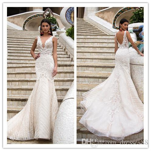 2019 Lace Backless Wedding Dresses Mermaid Plunging Neckline Appliqued Trumpet Wedding Dress Tulle Beaded Country Bridal Gowns