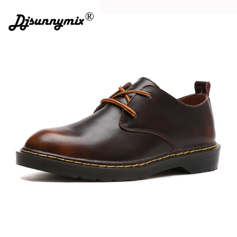 43b35f08 Compre DJSUNNYMIX Marca Otoño Invierno Hombre Botas De Alta Calidad De Cuero  Genuino Martin Zapatos Hombres Botines Moda Pisos Hombres Zapatos A $38.94  Del ...