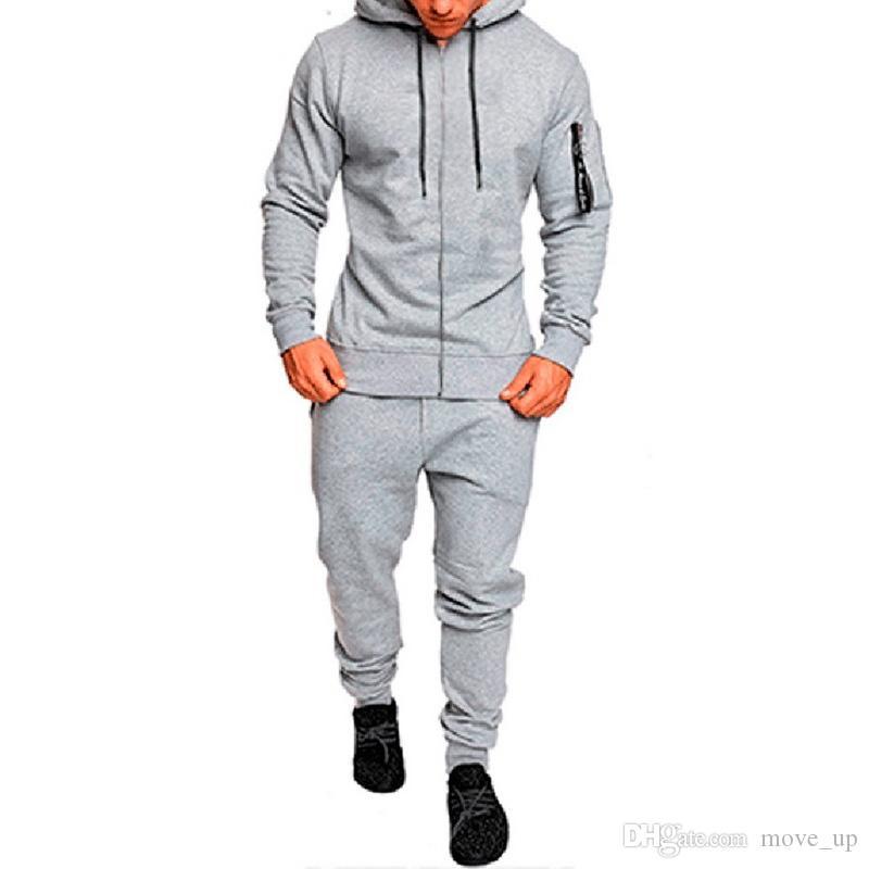 Compre 2018 New Camo Sport Set For Men Rynning Jogging Set Chaqueta De  Chándal Y Pantalones De Entrenamiento Al Aire Libre Pantalones Con Capucha  Abrigo ... 77c4ed3f351cb