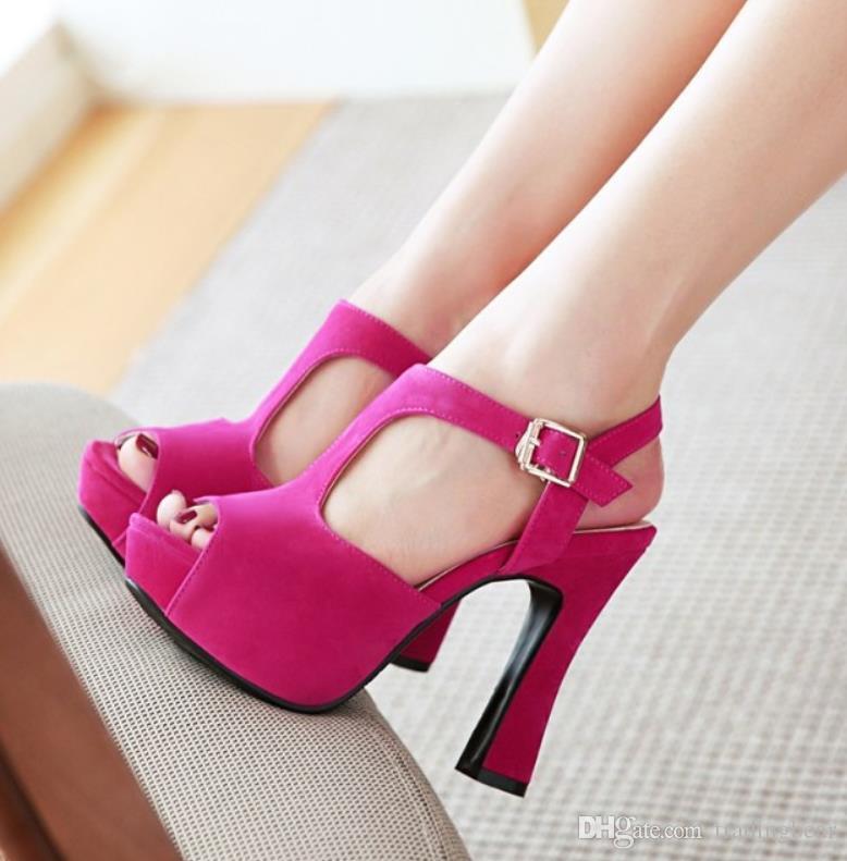 Artı boyutu 32 33 34 35 40 41 42 43 çapraz kayış platformu kalın topuklar moda lüks tasarımcı bayan ayakkabı yüksek topuk sandaletler