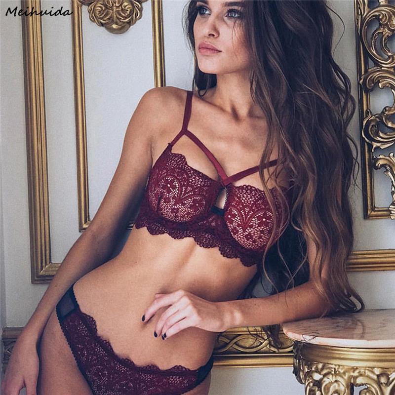 f22dd6d30f4a Sexy Nueva Ropa Interior Sujetador de Las Mujeres Conjunto de Lencería Sexy  Tanga ropa de Dormir Encaje Pijama Establece Ropa Conjuntos 2018 Venta ...