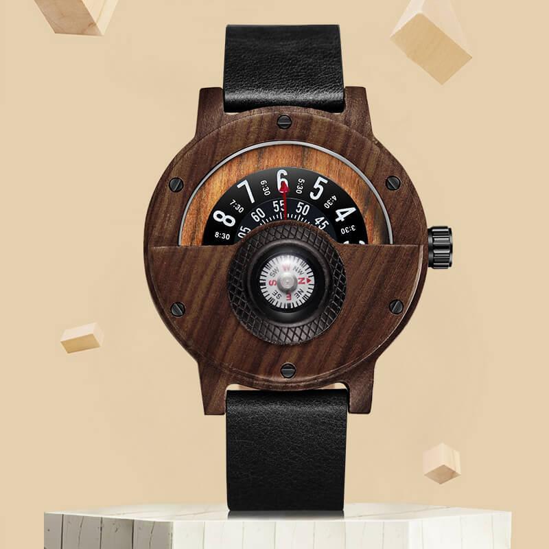 dd8e76ce59c Compre Criativo Bússola Relógios De Madeira Para Homens Casual Quartz  Sports Turntable Relógios De Pulso Pulseira De Couro De Madeira Relógio  Relógio ...