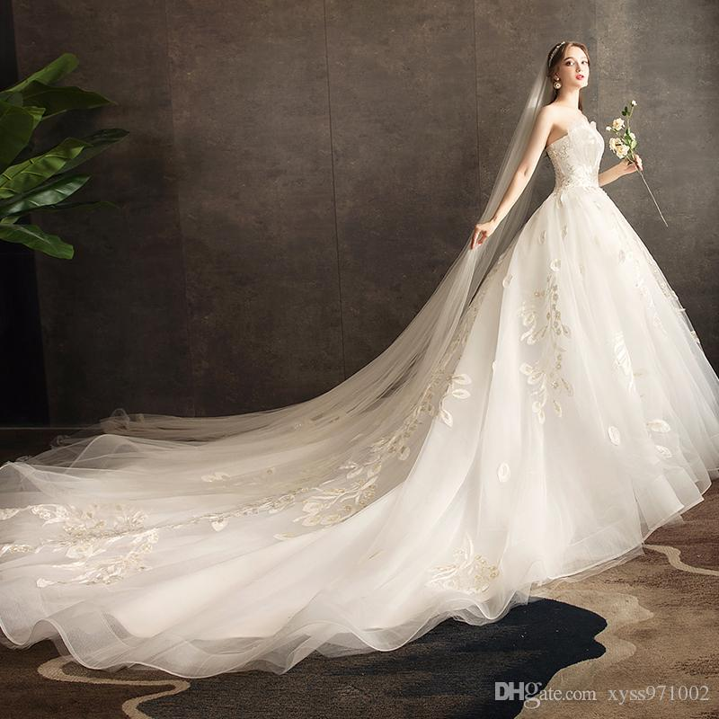 2020 spring new tube top French wedding dress court Hepburn style white wedding dress long trailing temperament slim evening dress
