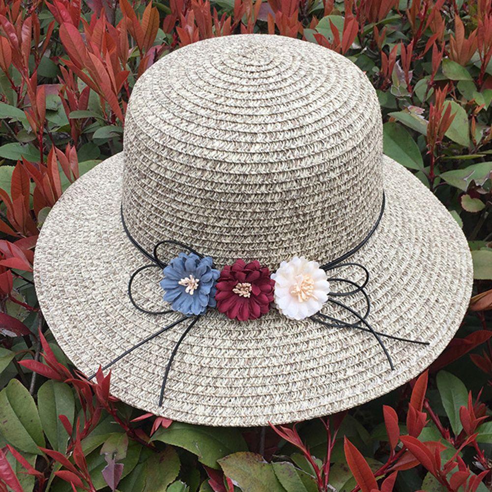 Compre Mujeres Niñas Verano Color Sólido Al Aire Libre Tres Flores  Decorativas Con Cordones Sombrero De Paja Ancho Grande Grande Sombrero De  Sol Plegable ... ff8017f1eda