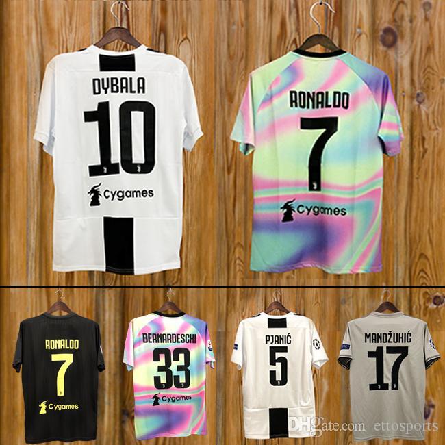0969f9e7331c1 2018 19 Juventus Home Soccer Jersey 2019  7 RONALDO  10 DYBALA Camiseta De  Fútbol MARCHISIO MANDZUKIC PJANIC BONUCCI Uniforme De Fútbol FOOTBALL SHIRT  Por ...