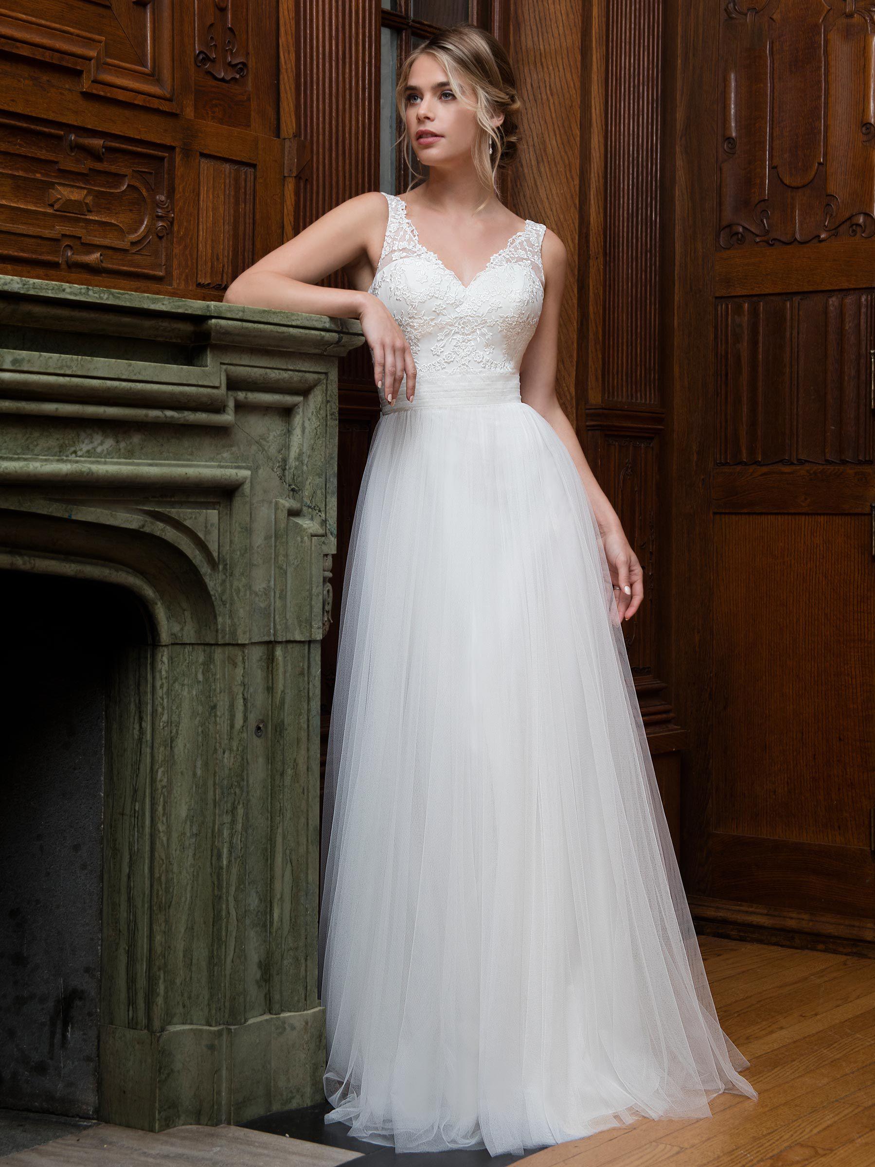 Free Wrap White Ivory Tulle V Neck Applique Sheath Wedding Dresses