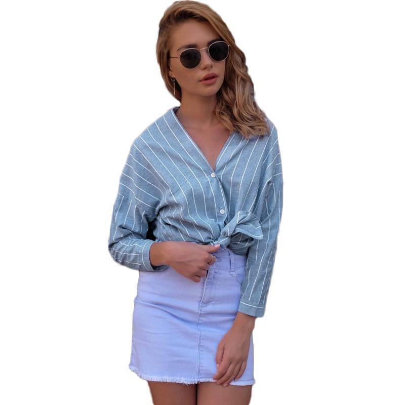5009df1f72 Compre Moda Feminina Camisa Listrada Azul V Neck Manga Longa Blusa Camisa  Botão Frente Assimétrica Hem Blusa Solta Top Casual Clothing De Jamie17