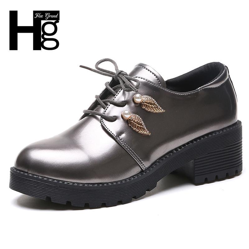 7f71a2680 Compre Sapatos De Vestido Hee Grand Pu Couro De Patente Mulheres Oxfords  Lace Up Decoração De Metal Preto Mulheres De Prata Dedo Do Pé Redondo  Mulheres ...