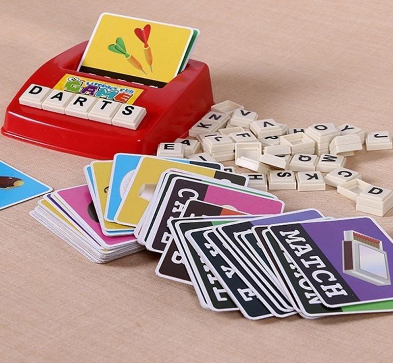 الكلمات الاطفال تربية بطاقات اللعب تعلم اللغة الإنجليزية كلمة لعبة مونتيسوري كلمة آلة الأبجدية لغز الأبجدية رسائل بطاقة محو الأمية