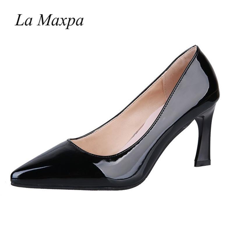 f0ae6a06e2f Compre Zapatos Tallas Grandes 34 40 Parte Inferior Roja Tacones Altos Tacón  Grueso Otoño Señoras Bombas Punta Estrecha Vestido Elegante Mujeres Cuero  De ...