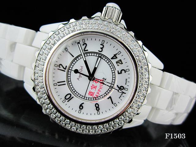 16b0c01634bf Compre Nueva Marca De Lujo De Cerámica 2 Hileras Diamantes Bisel Señoras  Relojes Para Hombre Mujeres Ceramica Moda Blanco Negro Rhinestone Reloj De  Cuarzo A ...