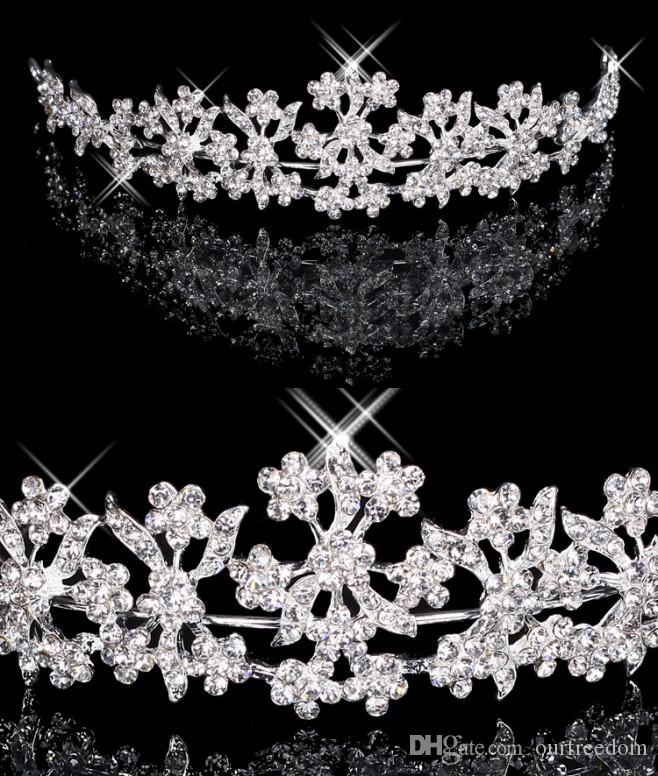 Hair Tiaras In Stock Cheap Diamond Rhinestone Wedding Crown Hair Band Tiara Bridal Prom Evening Jewelry Headpieces 18027