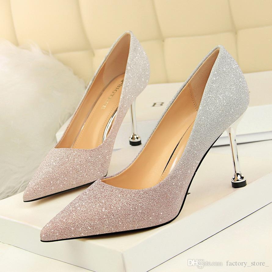b212876ffae2f Compre Tacones Glitter Mujer Zapatos De Lujo Diseñadores De Mujeres  Stiletto Zapatos De Novia Tacones Altos Zapatos De Boda Mujer Bombas Damas  Tacones Talon ...