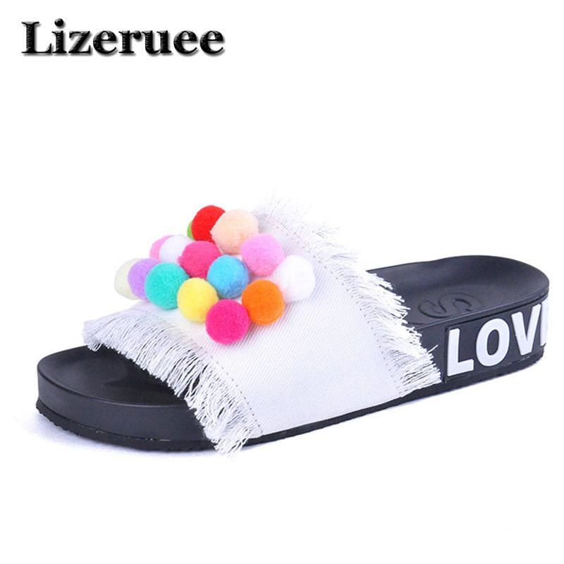 bc2fc7d8a47113 Großhandel Marke 2018 Frauen Hausschuhe Nette Pelz Ball Mode Sommer Slides  Lässige Plattform Strand Flip Flops Denim Slipper Flache Schuhe HS046 Von  Juiccy