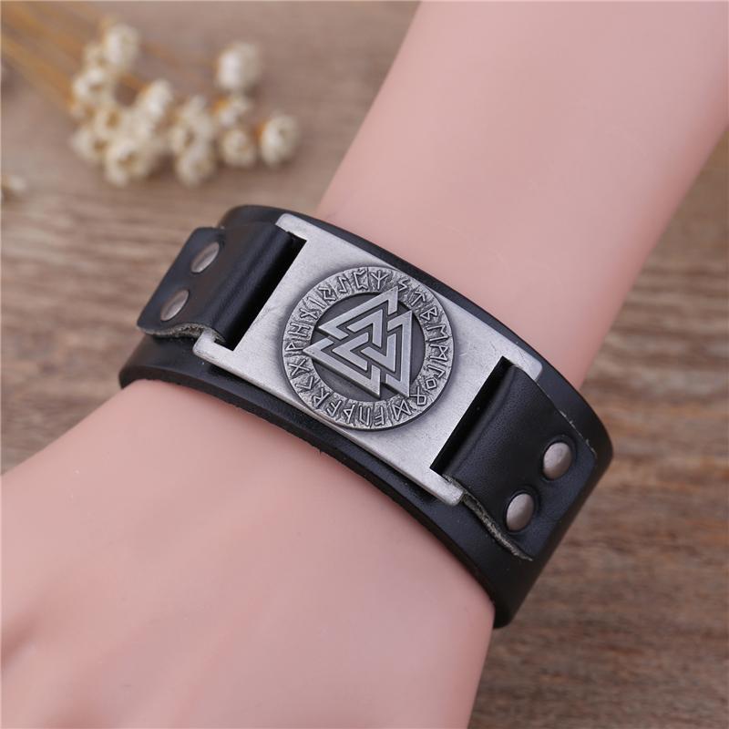 84d5b2f5f8a8 Pulsera de cuero de Skyrim Punk con encantos de vikingo Totem Artesanías de  metal conectores encantos pulsera vintage de cuero ajustable
