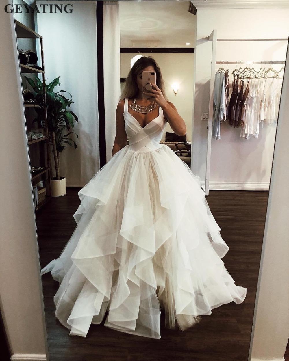 19631a0a1fde5 Robe de mariée robe de bal en ivoire à volants Ivoire 2019 Élégant  Bretelles à col en V avec ruché Tuffy Princesse Robes de Mariée Plus la ...