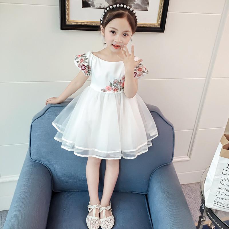 Acquista Abiti Ragazze 2019 Bianco Principessa Manica Corta Bambini Vestiti  Solido Al Ginocchio A Line Kid Girl Dresses 4 13 Anni Ds824 A  35.0 Dal ... 291818183c8