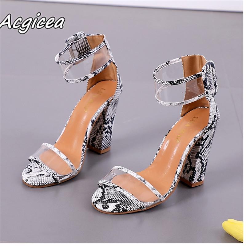 f5fd6277 Zapatos de vestir de diseñador 2019 sandalias de verano sandalias de mujer  casual Playa de la marea de moda de punta abierta tacón alto F167