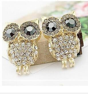 $10  New Fashion big eye sparkling full rhinestone owl stud earring 17g