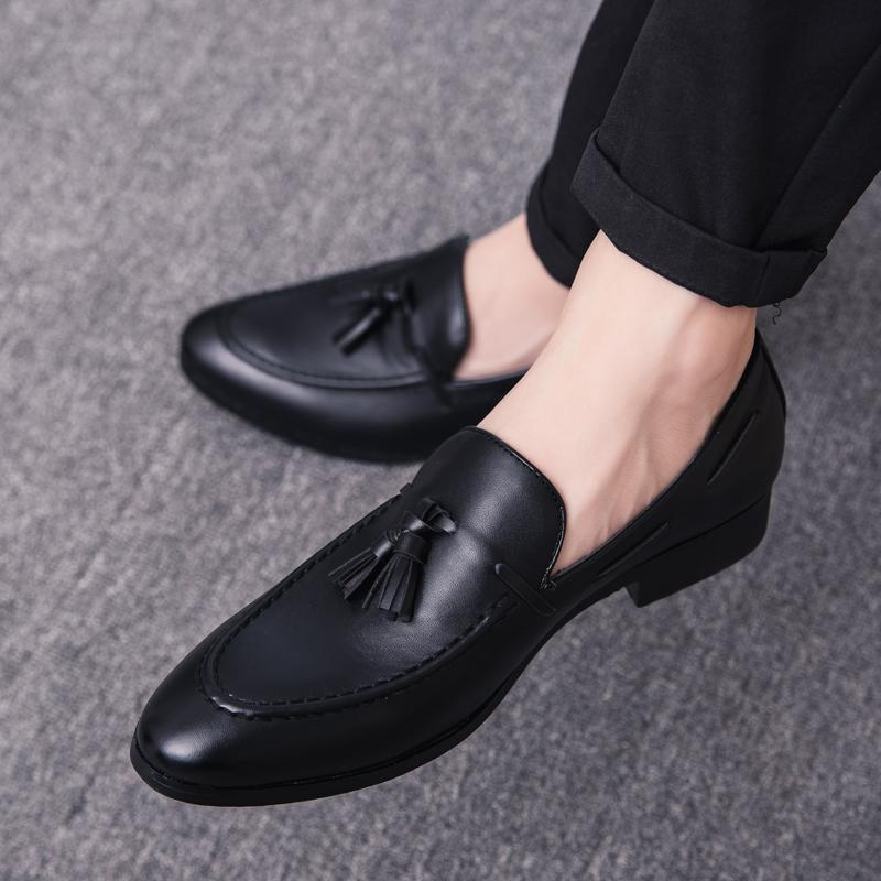 Moda uomo brogue Appartamenti Retro mocassini intagliati slip on Dress outdoor Business dress Uomo Casual Nappa Scarpe in pelle uomo j3