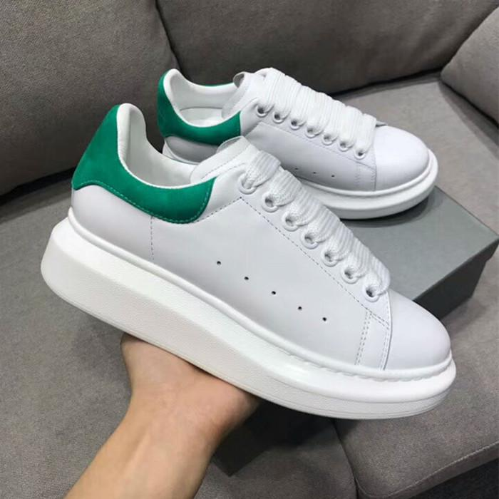 a3e23c40eb8 Compre 2018 Novo Estilo De Qualidade Superior Modelo Rainha Sapatos Venda  Quente Marca Homens E Mulheres De Couro Genuíno De Alta Qualidade Sapatos  Frete ...