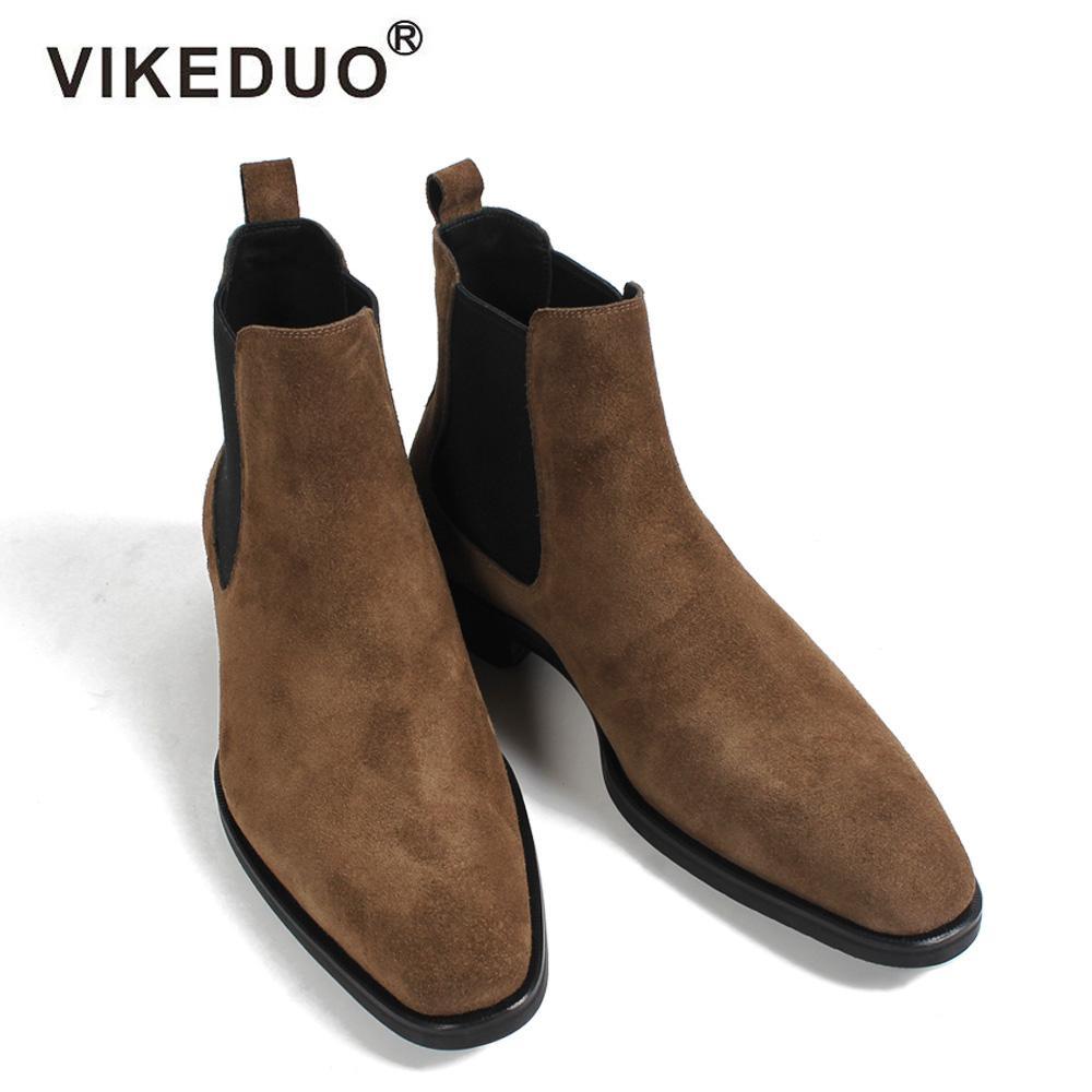 c9a416cdae3 Compre VIKEDUO 2018 Classic Chelsea Boots Men Botines De Gamuza Hechos A  Mano Hombre A Medida Otoño Cuadrado Toe Calzado De Hombre Botas De Oficina  De Boda ...