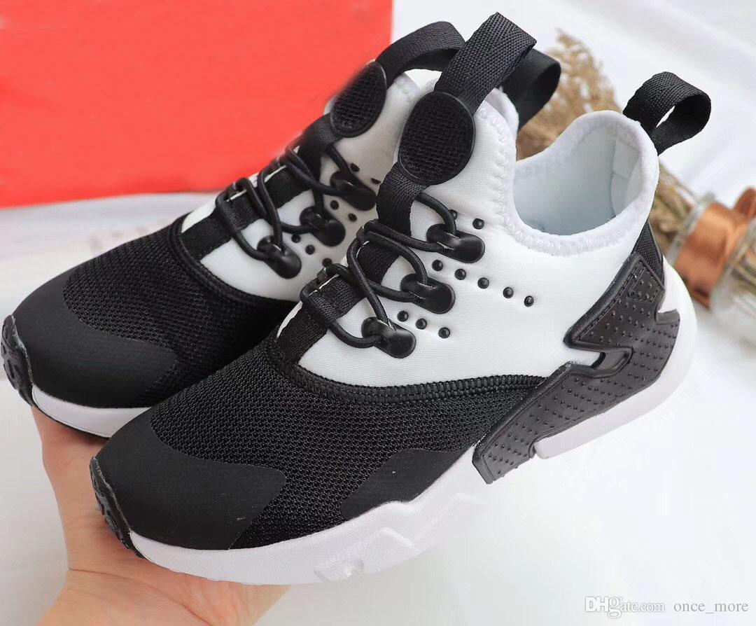 ed7c1b2da2e9de Großhandel Nike Air Huarache 2018 Klassische Huaraches Ultra Atmungsaktive  Laufschuhe Große Kinder Jungen Und Mädchen Luft Huarache Schuhe Athletic  Sport ...