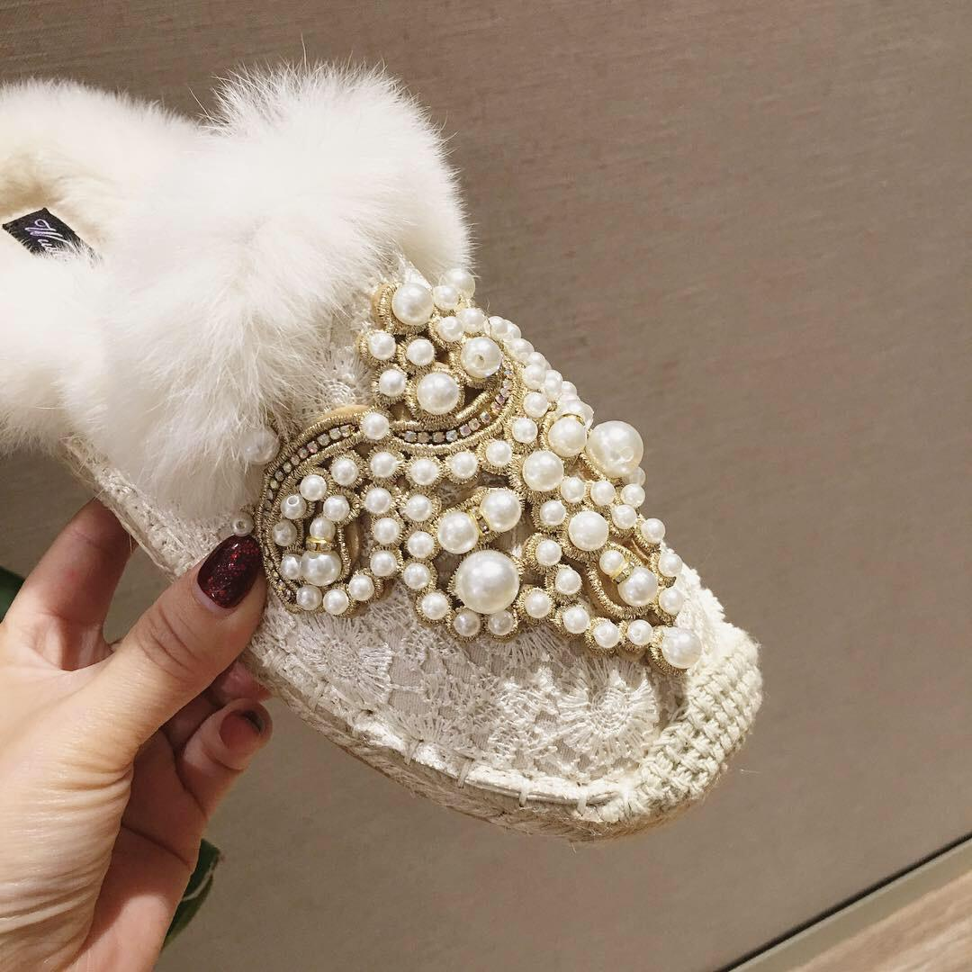 Womens fashion pearls with fur Flat mules zapatos new 2019winter beading furry slippers straw knitted slides fisherman shoes gg