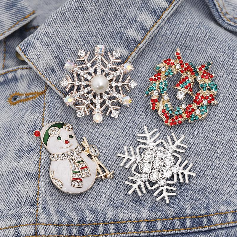 2019 New Christmas Snowman Bell Brooch Enamel Alloy Clothing Pin Cartoon Christmas Snowflake Brooch Dress Accessories For Gift