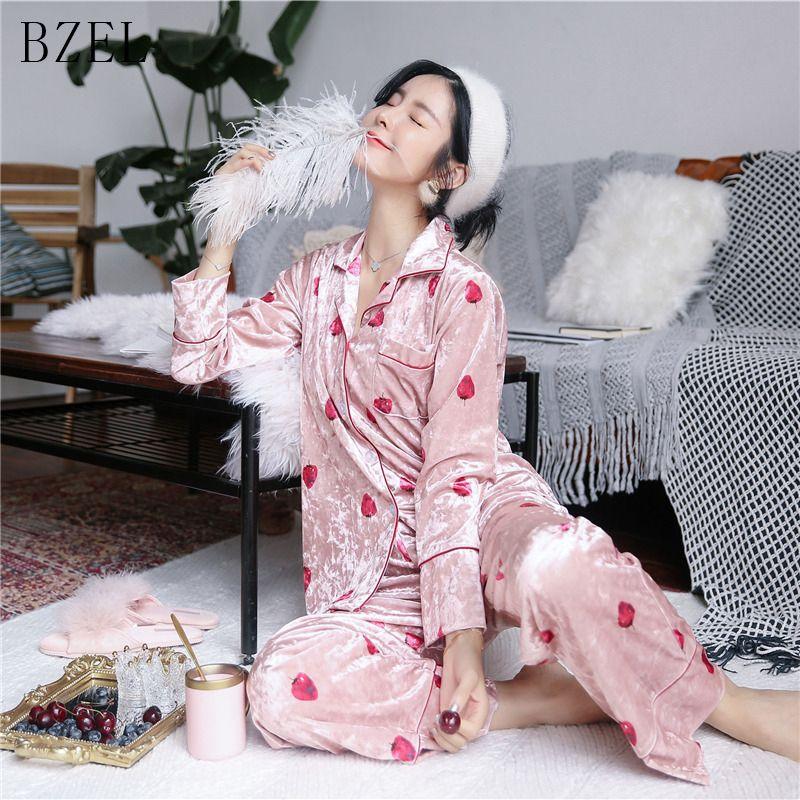 c45f319264cef8 BZEL Conjuntos de Pijama Outono Inverno Manga Comprida Sleepwear Dos  Desenhos Animados Morango Pijamas Turn-down Collar Sleep Lounge Cueca 2 PCS