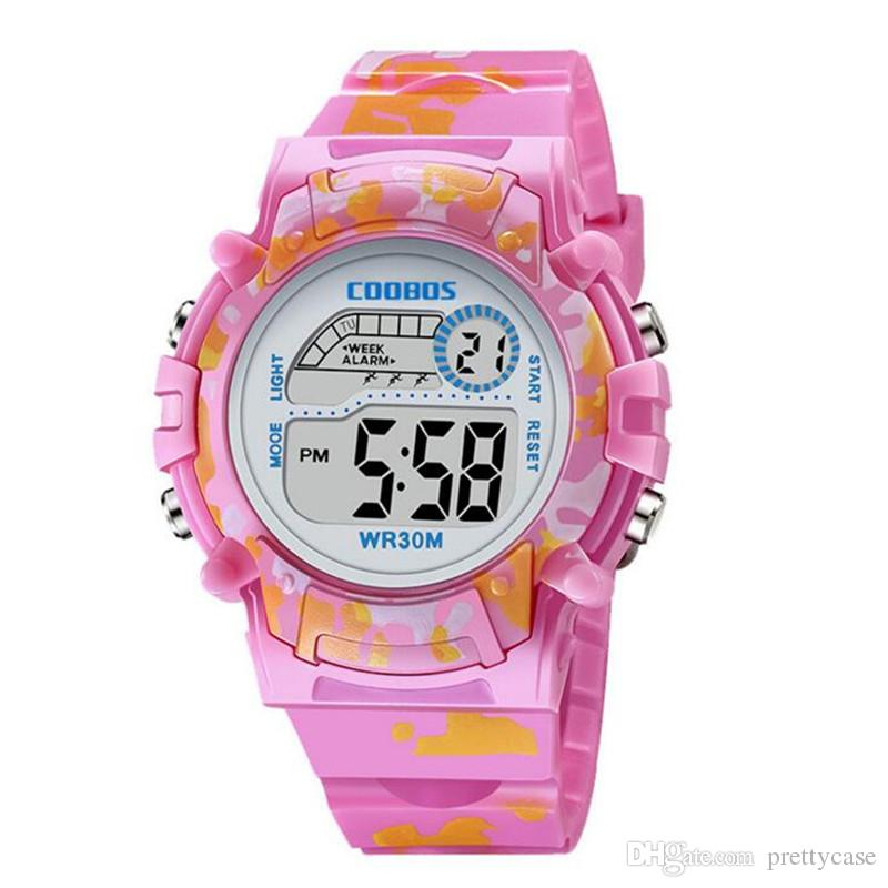 75c47734e13a Compre Niños Niños Reloj Deportivo Reloj Electrónico Digital Led Relojes De  Camuflaje Reloj Despertador Luminoso Calendario Relojes De Regalo A  1.56  Del ...