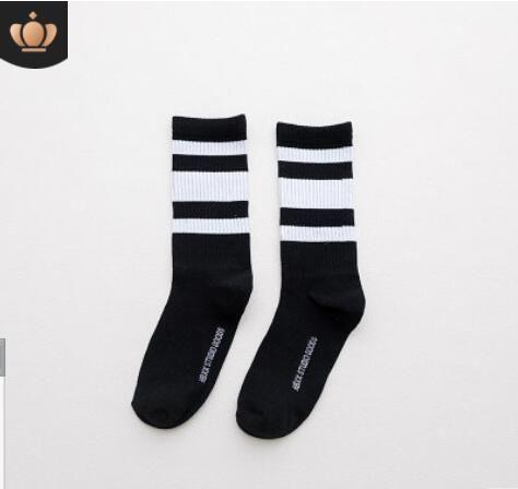 3542bb6bcdd 2019 Desinger Socks For Men Sport Stockings Women Letters Hip Hop  Skateboard Socks With Chinese Characters Street Harajuku Optional From  Prarra