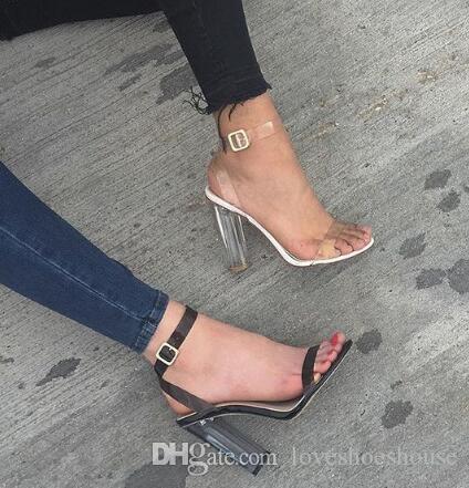 2044ae7dbbd0c Charm2019 Transparent PVC Knöchel Schnalle Frauen Sandalen Offene spitze  Klar High Heels Schuhe Kim Kardashian Stil Frauen Pumps