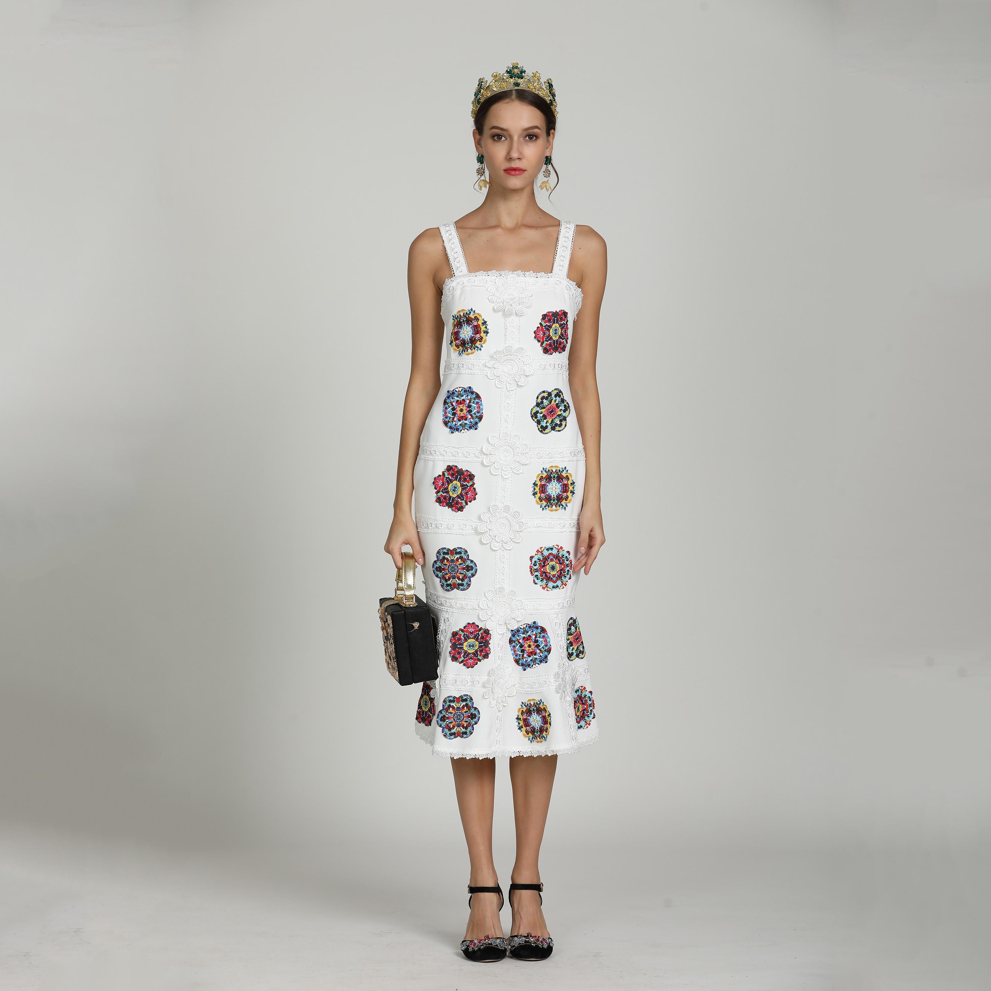 6014a94268e010 Großhandel 2019 Sommer Marke Designer Meerjungfrau Kleid Sexy Runway Frauen  Kleidung Luxus Partykleid Stickerei Cocktailkleid Schwarz Weiß Von Jackhhh,  ...