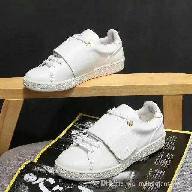 Eğlence Ayakkabı Bahar Tarzı Deri lüks Tasarımcı Beyaz Ayakkabı Strapped erkek ve kadın sneakers Jimnastik dans sürüş düz ayakkabı 34-41