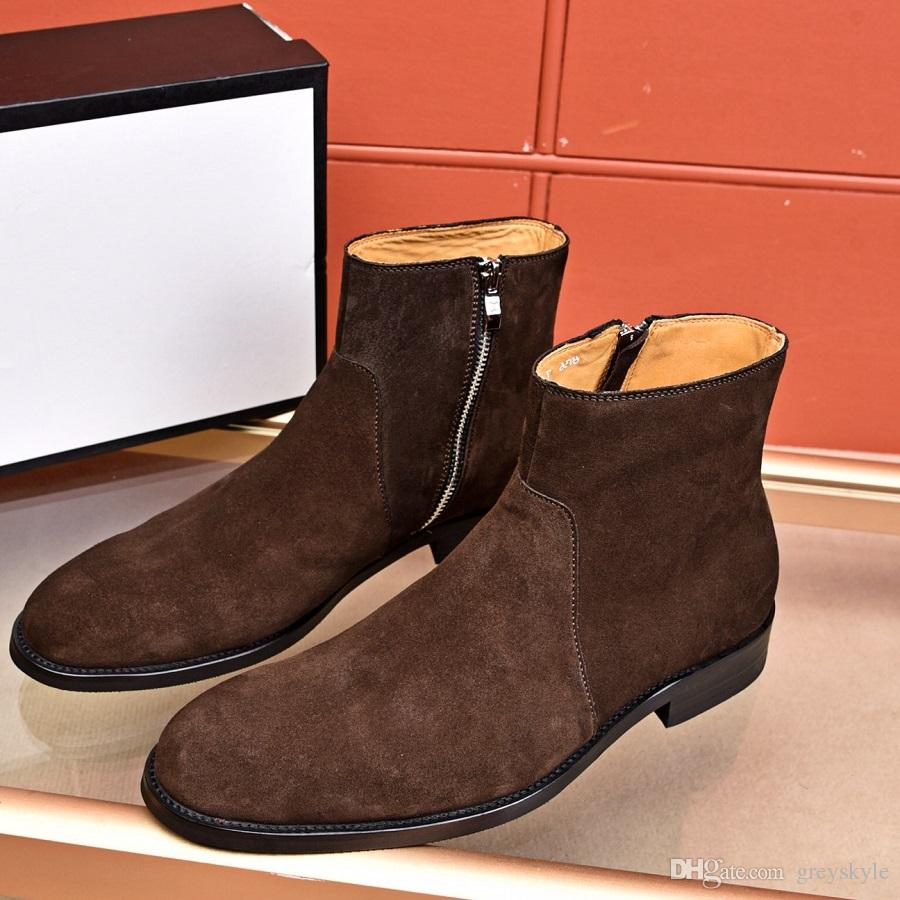 536abb3844f Compre Hombres De La Marca Cuero De Vaca Botas Chelsea Moda Traje Formal  Vestido Botas De Boda Moda Cremallera Tobillo Martin Botas Suede Invierno  Nieve ...