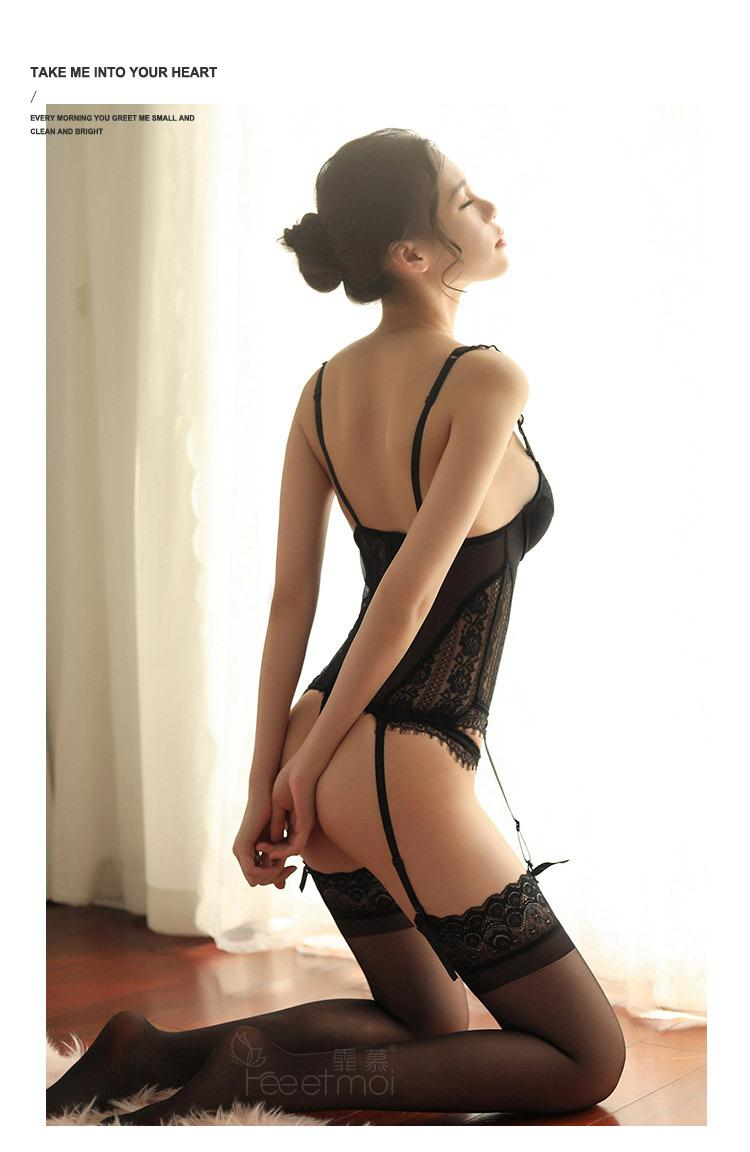 2019 new Hot Tights Sexy Erotic Lingerie Seducive Underwire Corset Removable Garters T-Back Sex Clothes Glamour Bodycon Bustier