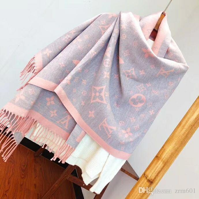 4240 winter new scarf, double-sided two-color workmanship is exquisite. Scarf and shawl, fashionable and versatile high-end atmospheric neck