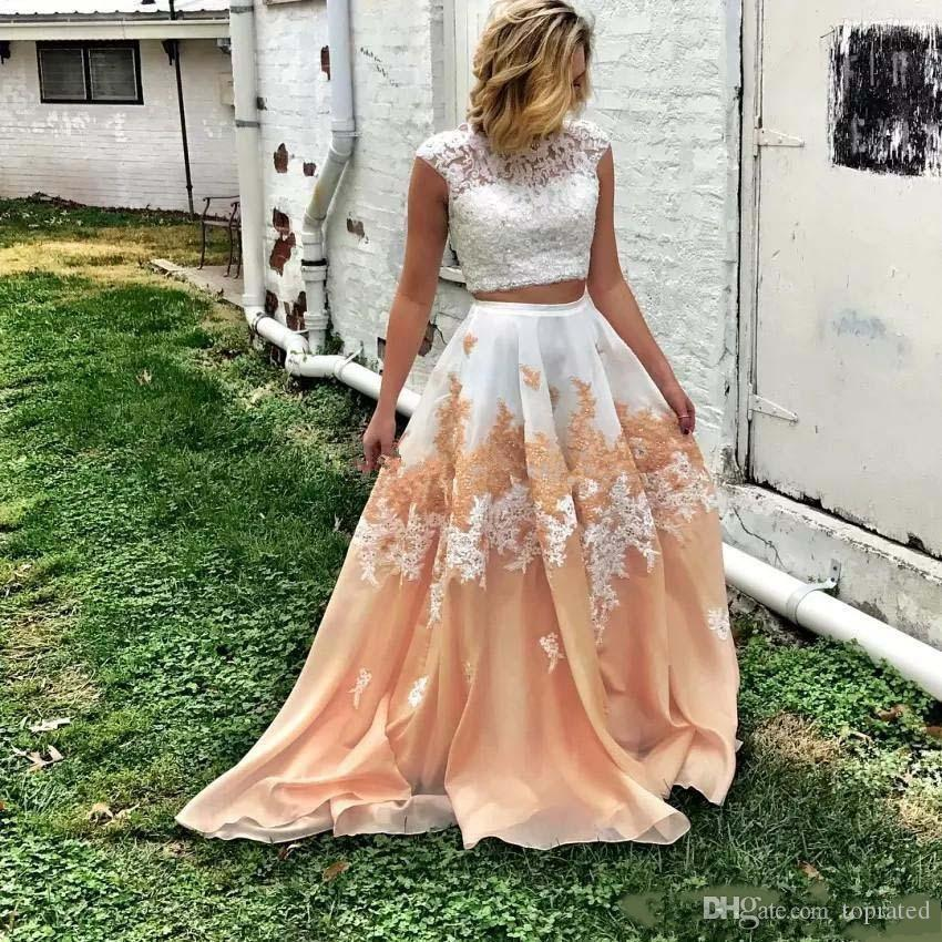 2020 Elegant Two Pieces Lace Prom Dresses Bateau Neckline Backless Beaded Formal Dress A Line Floor Length Organza Appliqued Evening Gowns