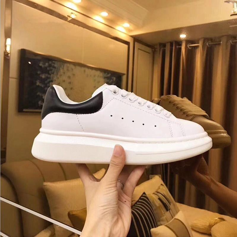 2019Luxury Designer Men and Women Sneakers Cheap Best Top Quality Fashion White Leather Platform Shoes Flat Casual Party Wedding Shoes