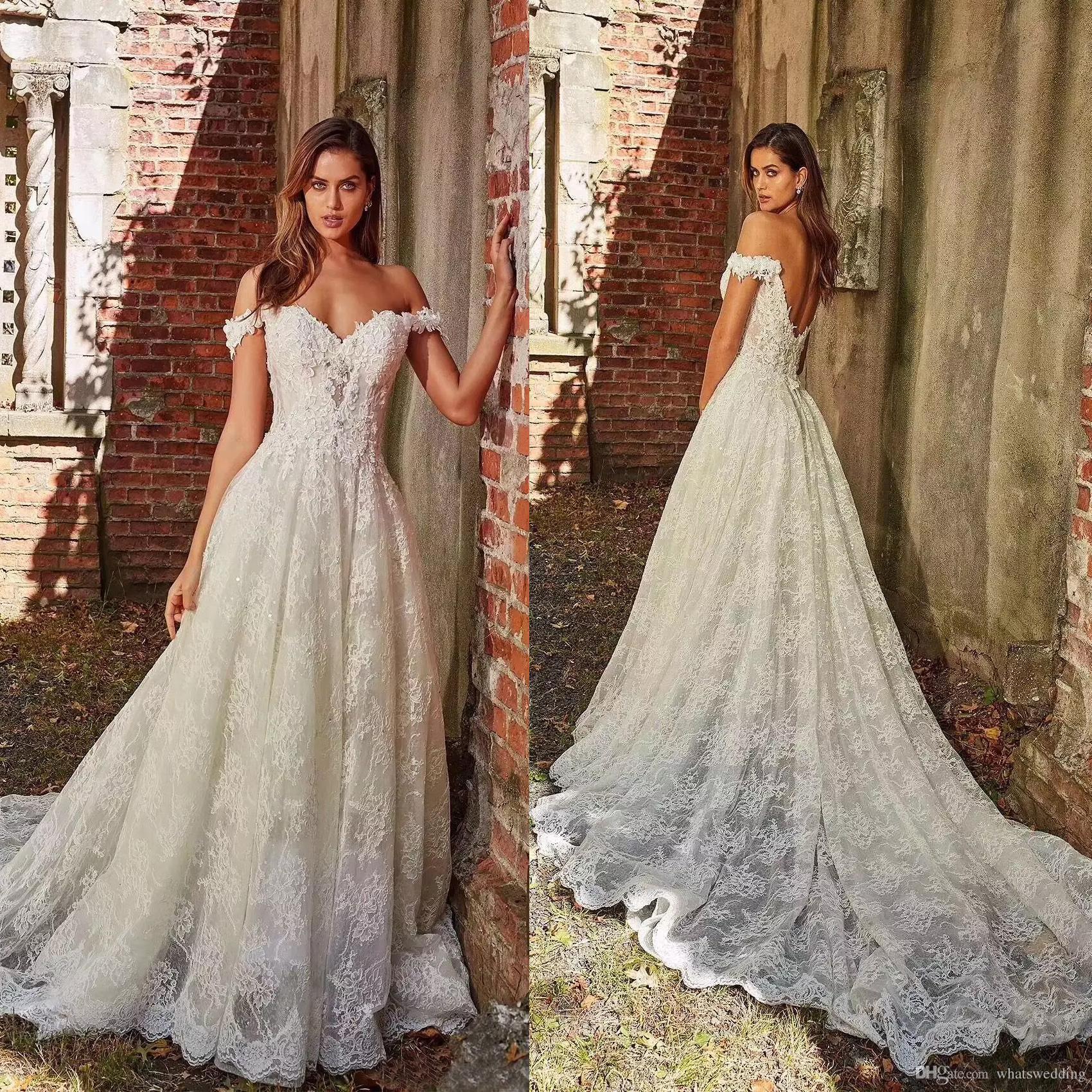 finest selection 8dc0e 65de2 Abiti da Sposa da Sposa in Pizzo con Strascico da Sposa e Cerimonia