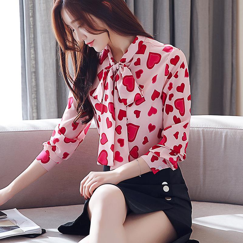 694b2954b Compre Moda Para Mujer Top Y Blusas 2019 Blusa De Gasa De Manga Larga Camisa  Corazón Imprimir Arco Cuello Oficina Blusa Camisas De Las Mujeres Ropa A   22.73 ...