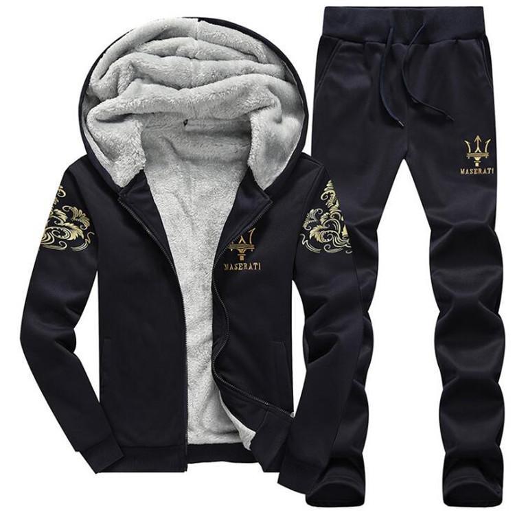 5fa81a506 Conjuntos de ropa deportiva de invierno Conjunto de chándal con capucha  para hombres calientes Conjunto informal Ocio Sólido Traje 2018 Outwear 2  ...