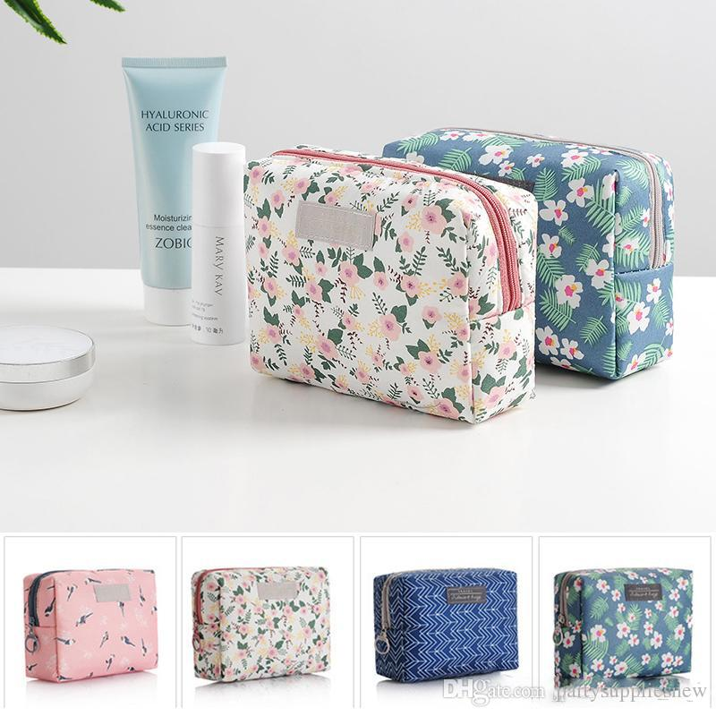 Women Travel Cosmetic Bag Toiletry Wash Pouch Daisy Printed Waterproof Makeup Case Small Organizer Storage Bag